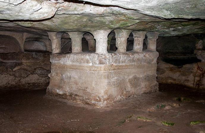 La Grotta delle Trabacche: Catacombe