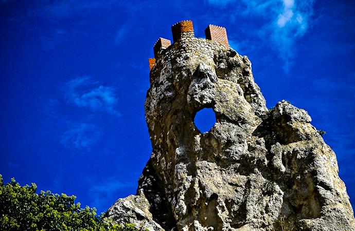Il castello di Pietrarossa: Le origini di Caltanissetta.