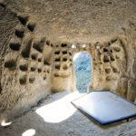 Una delle tante Grotte del Villaggio bizantino