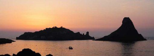 Isole dei Ciclopi: Faraglioni di Aci Trezza