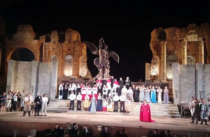 Grande successo per la Tosca a Taormina