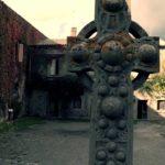 Croce in pietra lavica eretta in memoria di Oratio Nelson
