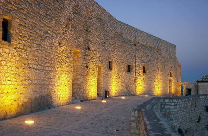 Castello di Federico II a Giuliana
